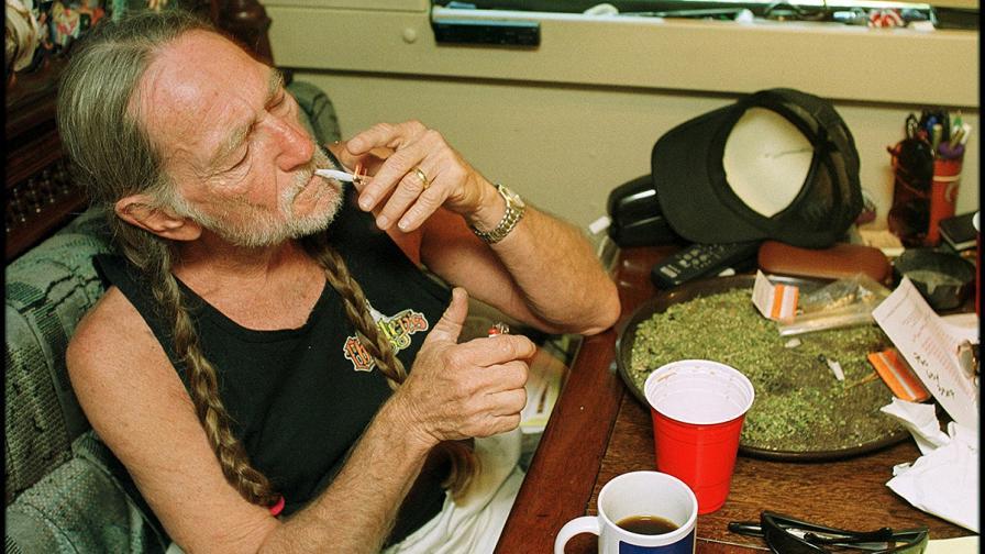 Уили Нелсън пуска собствена марка марихуана