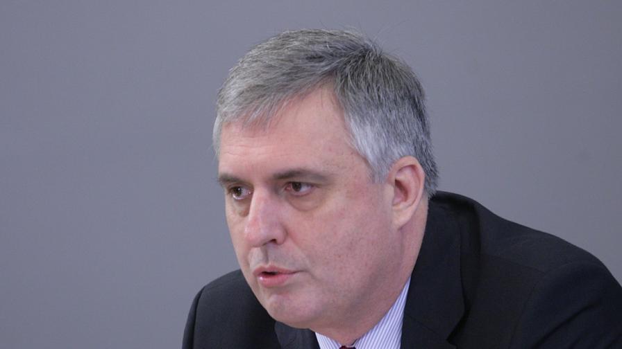 """Калфин за """"кражбата на пенсиите"""": Няма национализация"""