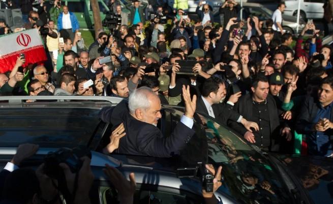 В Иран се радват след споразумението със Запада