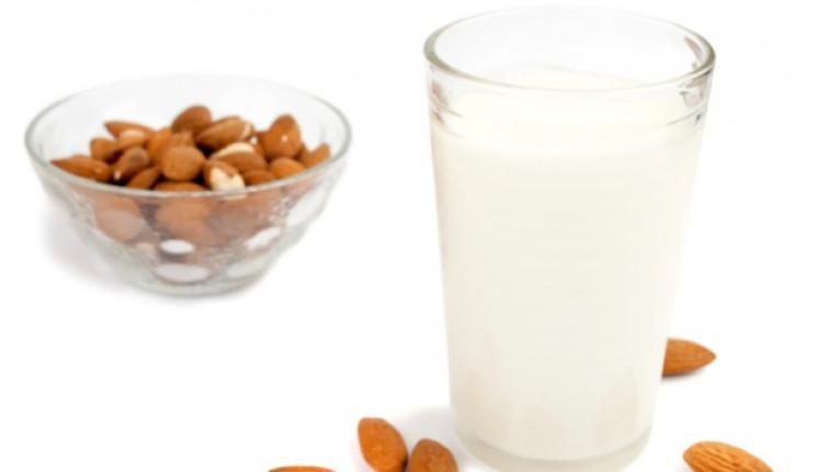 мляко бадеми