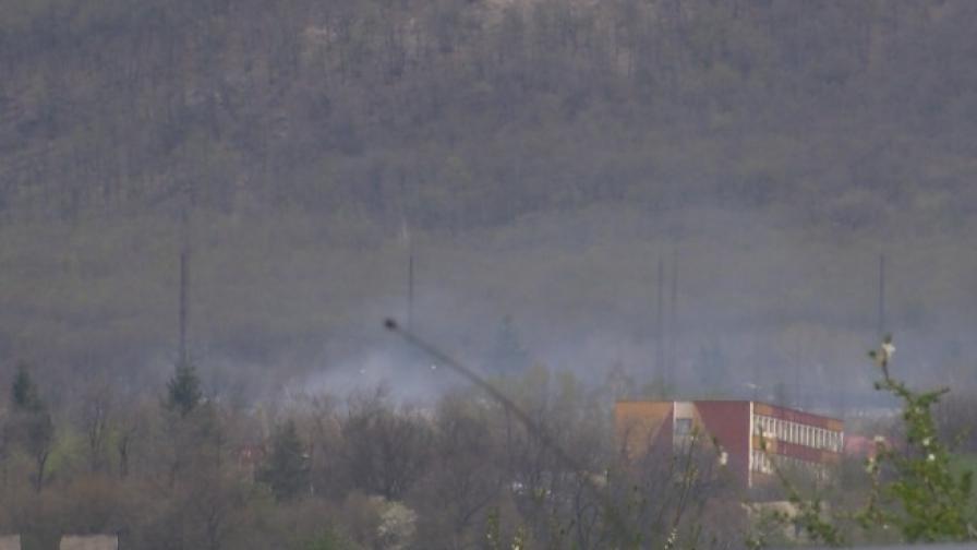 Над цеха на ВМЗ Сопот в Иганово се виждат пушеци