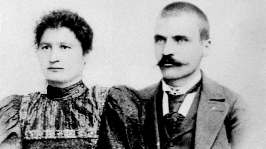 Никола Аврамов и съпругата му
