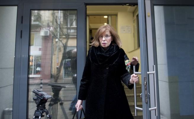 Съдия Ченалова придружена с конвой в съда