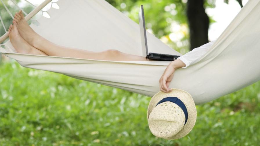 Хората лъжат в социалните мрежи за почивките си