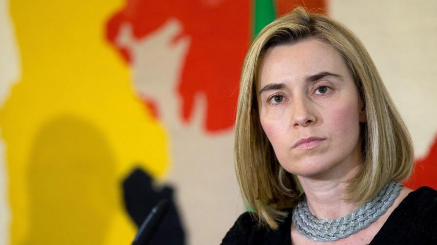 ЕС обмисля дали да изпрати бойни кораби до либийския бряг