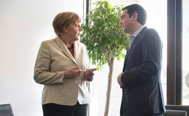 Меркел: Гърция не трябва да остава без пари