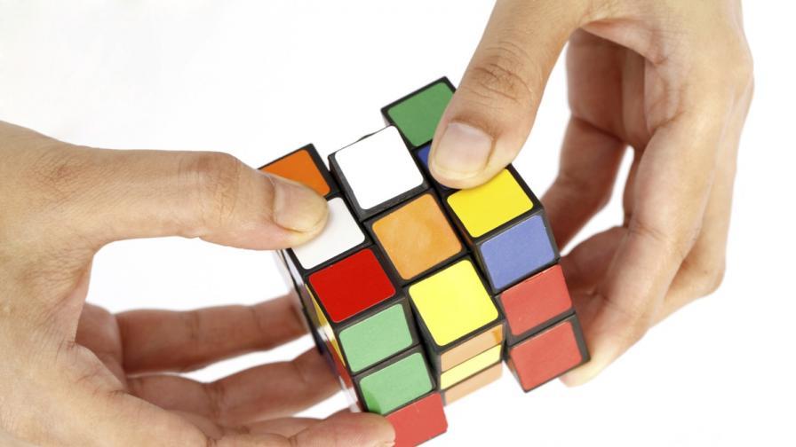 Тийнейджър постави нов световен рекорд за подреждане на кубчето на Рубик