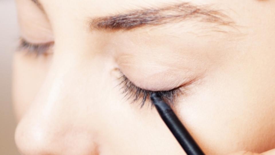 Видео: Как да подострим автоматичен молив за очи