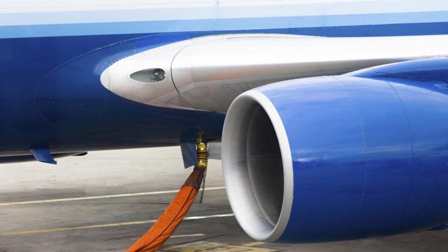 Учени произвеждат самолетно гориво от плесени
