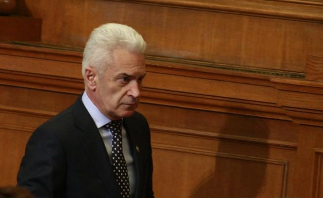 Сидеров подозирал френския дипломат в самолета за терорист