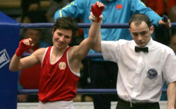 Стойка Петрова с минимум бронз от Световното по бокс