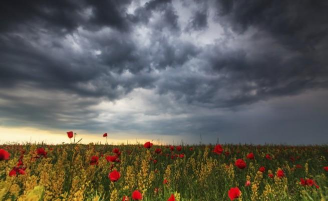 Астрономическото лято настъпва със студ и дъжд