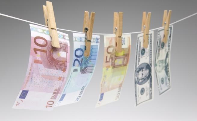 Осъдиха семейство за пране на пари от трафик проституция