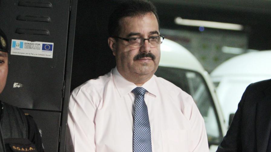 Арестуваха шефа на централната банка на Гватемала за подкупи