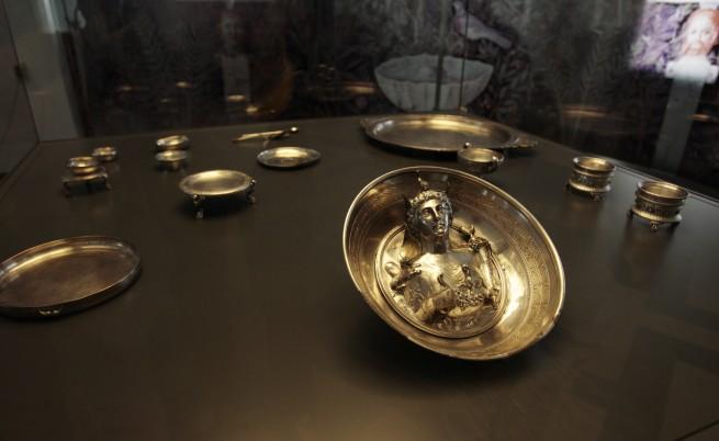 Сребърно съкровище от Лувъра гостува в София