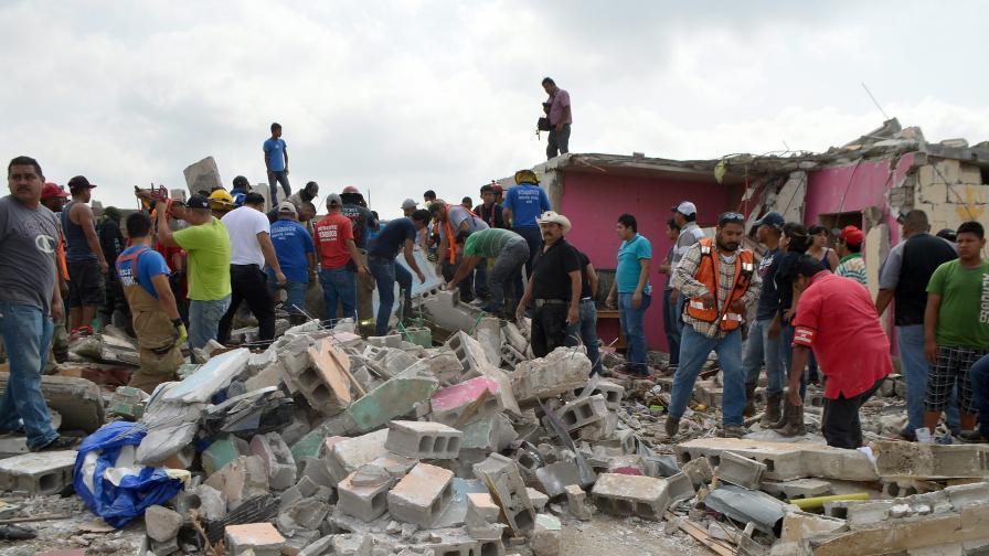 Торнадо в Мексико взе 13 жертви