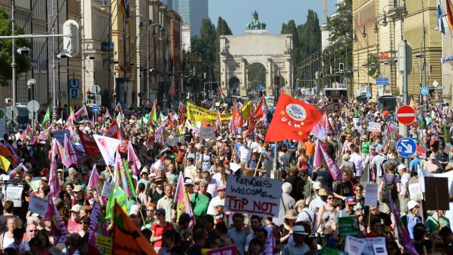 Около 23 хил. души протестират в Мюнхен срещу срещата на върха на Г-7