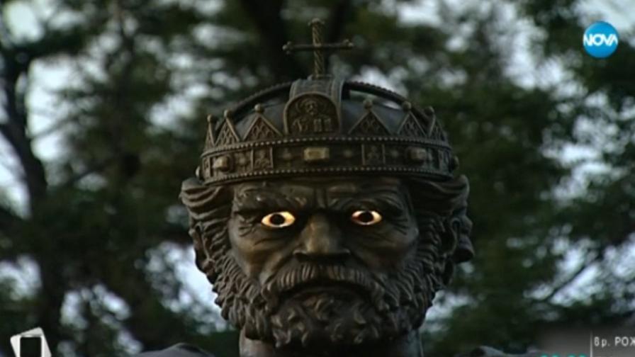 Светещите очи на цар Самуил в класация за безумни статуи