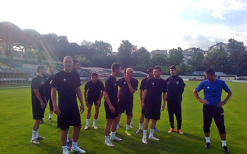 Черно море стартира подготовка с 13 играчи