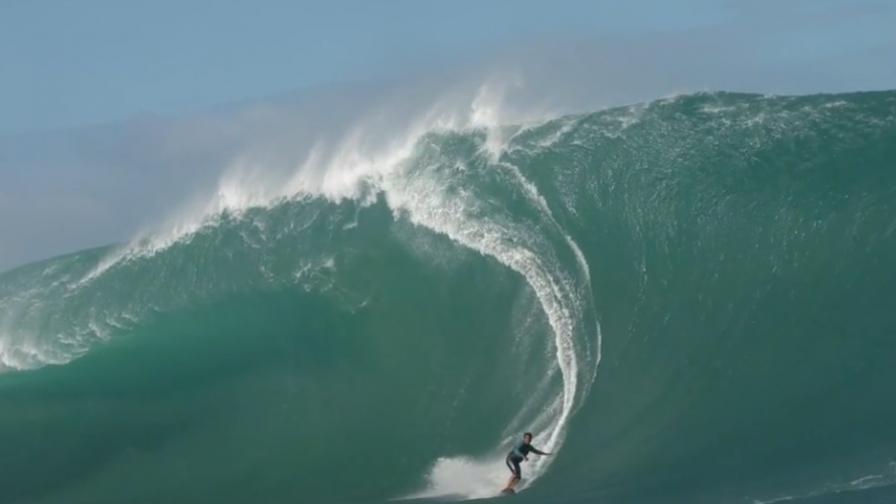 Сърф, адреналин и мощни вълни край Таити (видео)
