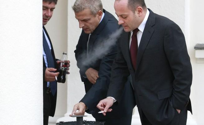 Пушачът Москов към ученици: Пушенето пречи на секса