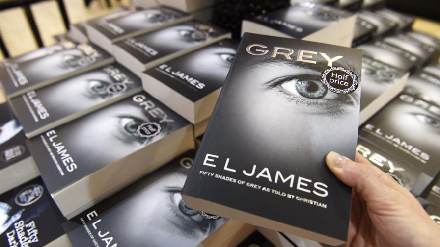"""Критиците """"разкъсаха"""" новата книга на Е. Л. Джеймс"""