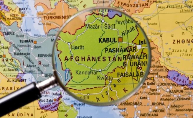 Самоубийствен атентат близо до летището в Кабул