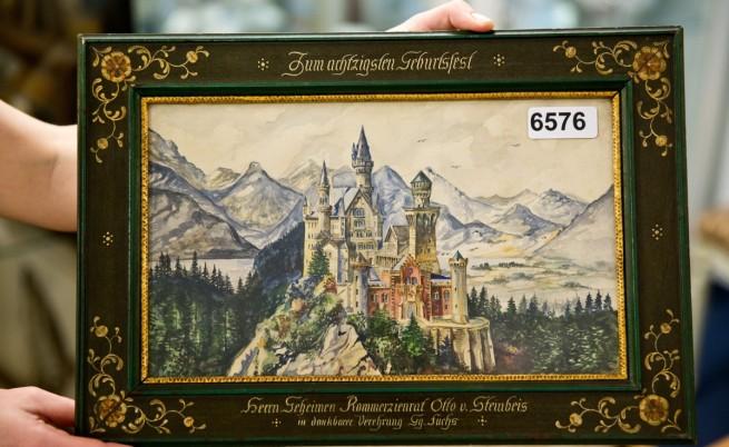 Продадоха картини на Хитлер за 300 хил. паунда
