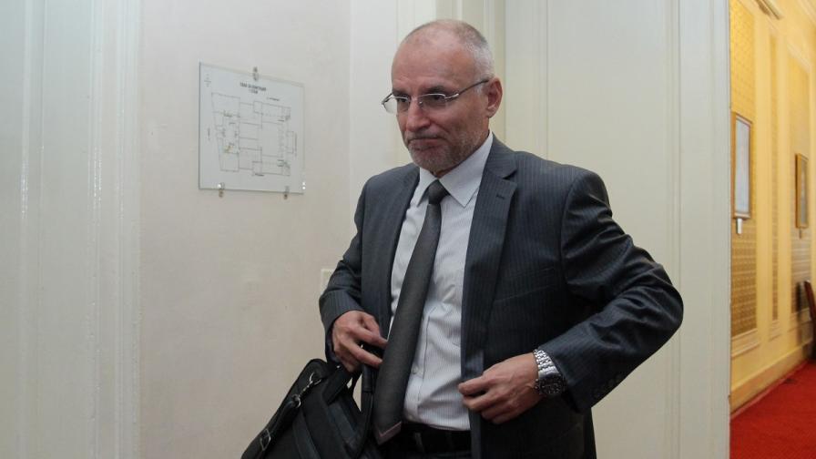 Кандидатът на ГЕРБ за управител на БНБ се обяви за промени в надзора