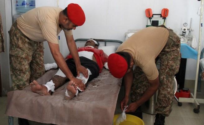 Броят на жертвите на жегата в Пакистан надхвърли 800