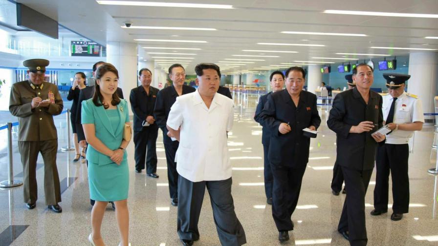 Ким Чен-ун разгледа и одобри новия международен терминал на летището в Пхенян