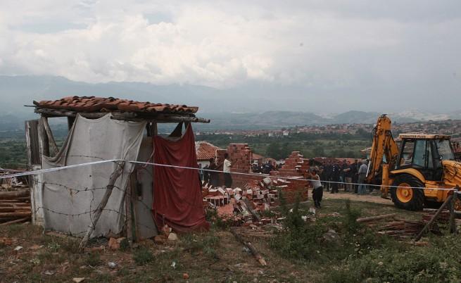 Ромски пастор от Гърмен плаши с война, иска оставки