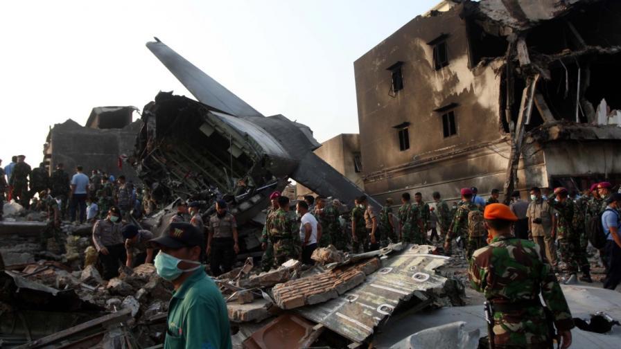 Катастрофата в Индонезия – заради проблем с двигателя