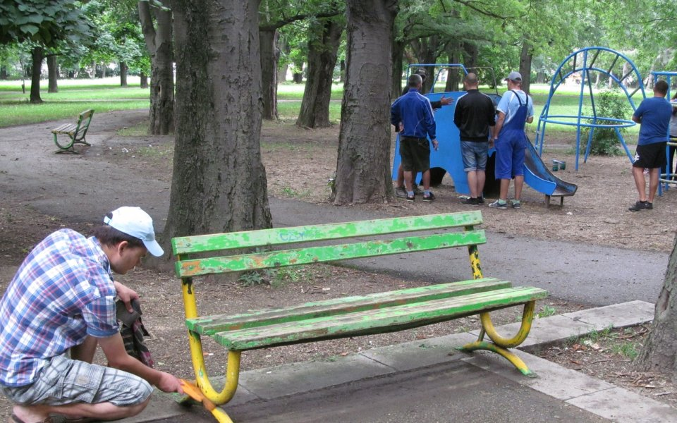Фенове на Дунав преобразиха детска площадка