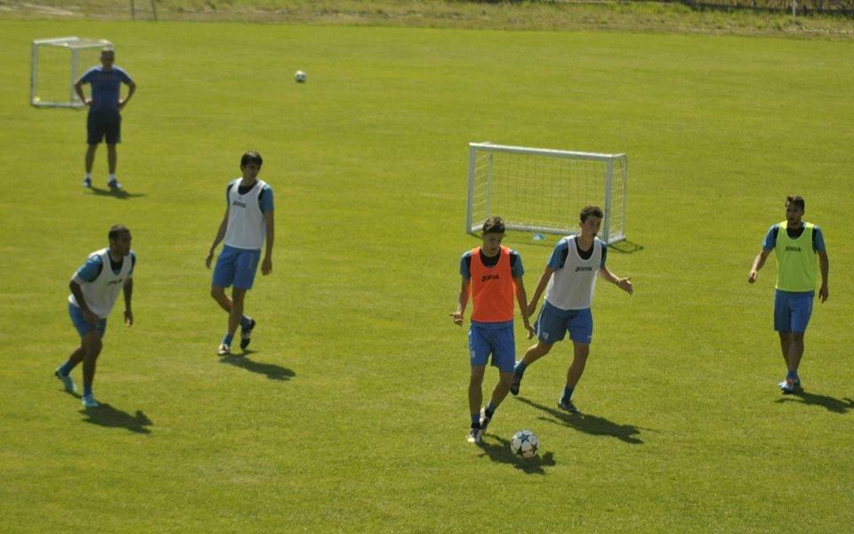 Левски тренира атаки като за предпоследно в Самоков