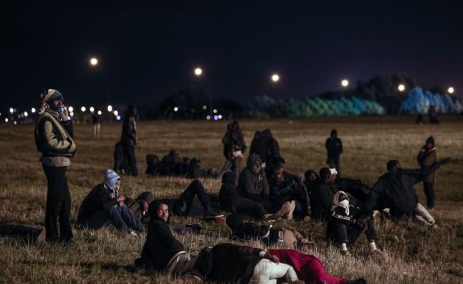 Мигранти направиха 1700 опита да минат Ламанша само за една нощ