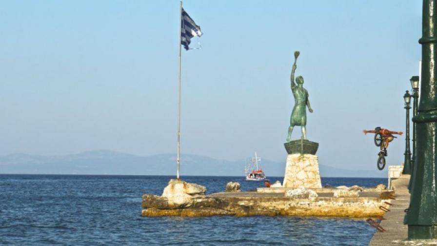 Из гръцките острови с колело (видео)