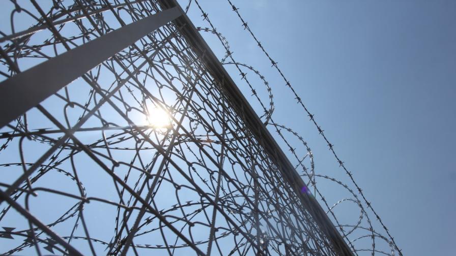 Латвия вдига ограда по границата с Русия
