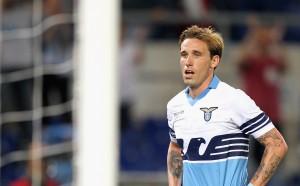 Милан продължава да обезкървява конкуренцията