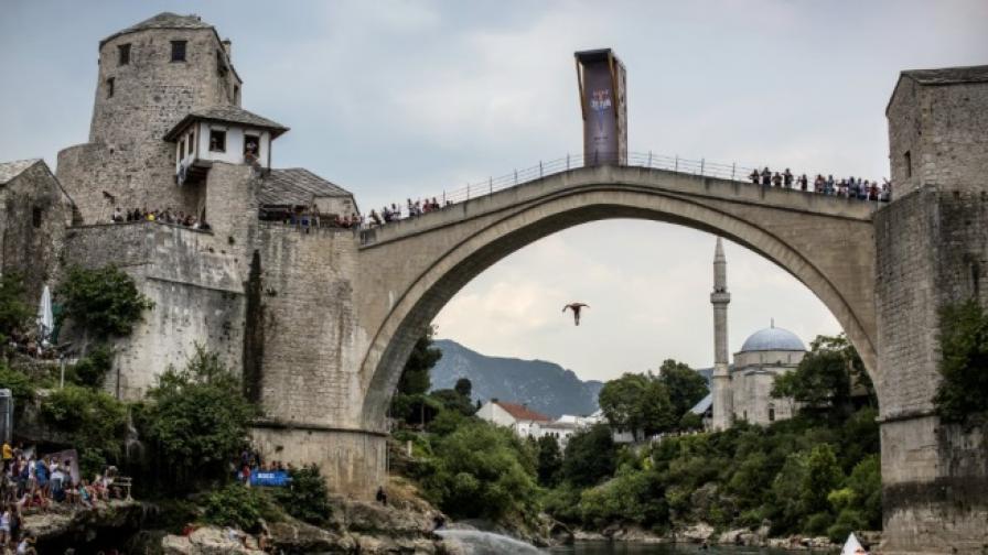 Стар мост, 14 атлети и една вековна традиция