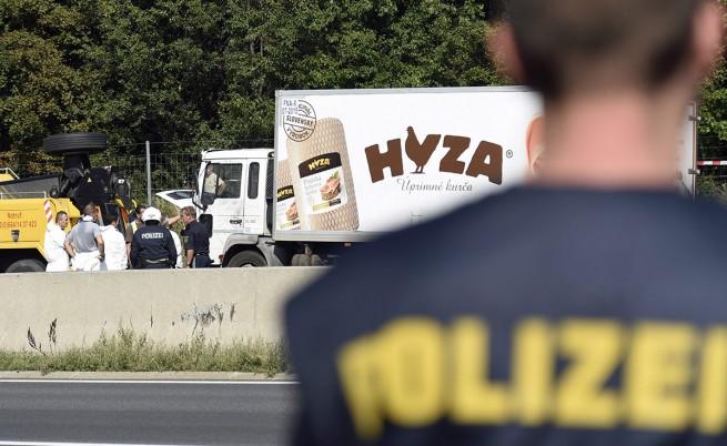 МВнР потвърди, че трима българи са задържани за камиона с тела в Австрия