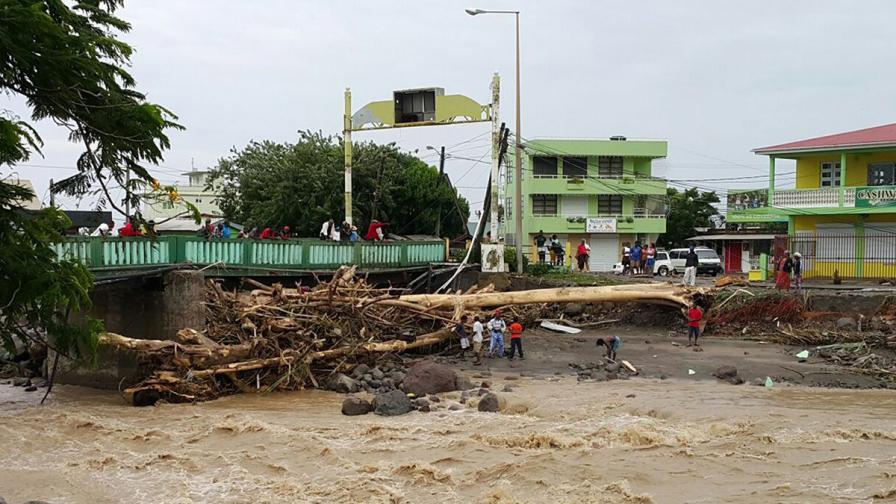 Тропическата буря Ерика взе жертви на Карибите