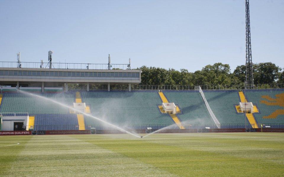 Българският футбол има проблем, който налага бързо решение. Gong.bg научи,