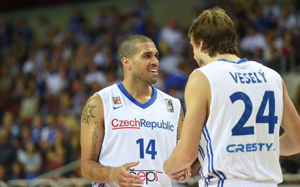 Чехия записа втора поредна победа в квалификациите