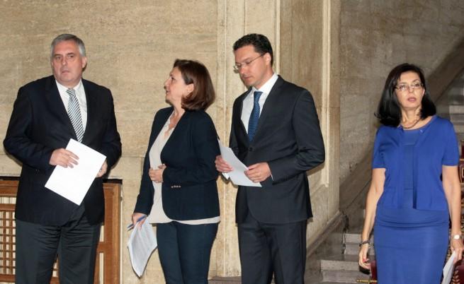 Вицепремиерите Румяна Бъчварова, Меглена Кунева и Ивайло Калфин и министърът на външните работи Даниел Митов