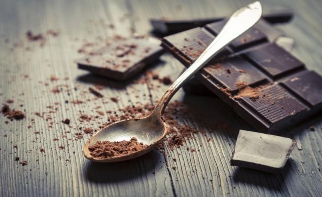 При кашлица: Шоколадът по-ефикасен от меда