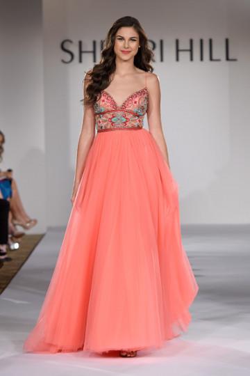 Дизайнерката Чери Хил представи своите модели за пролет 2016 по време на седмицата на модата в Ню Йорк