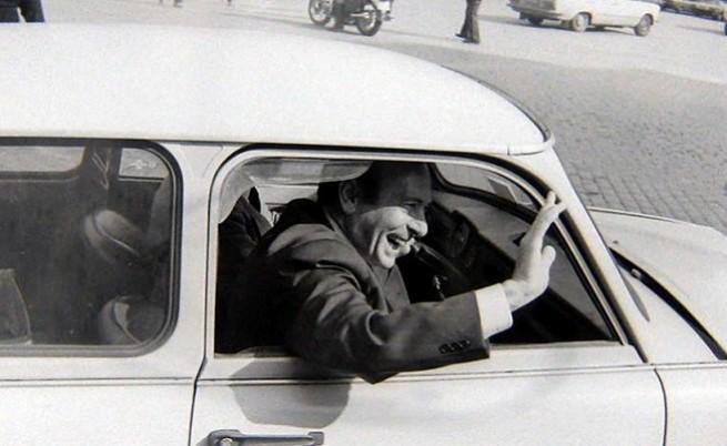 Манфред Вьорнер се вози в трабанта на Паси през 1991 г., Снимка: Архив сем. Паси
