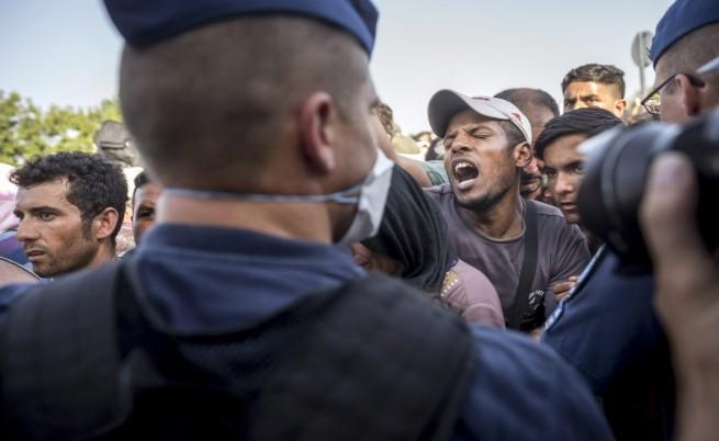 Сблъсъци между бежанци в Хърватия (видео)