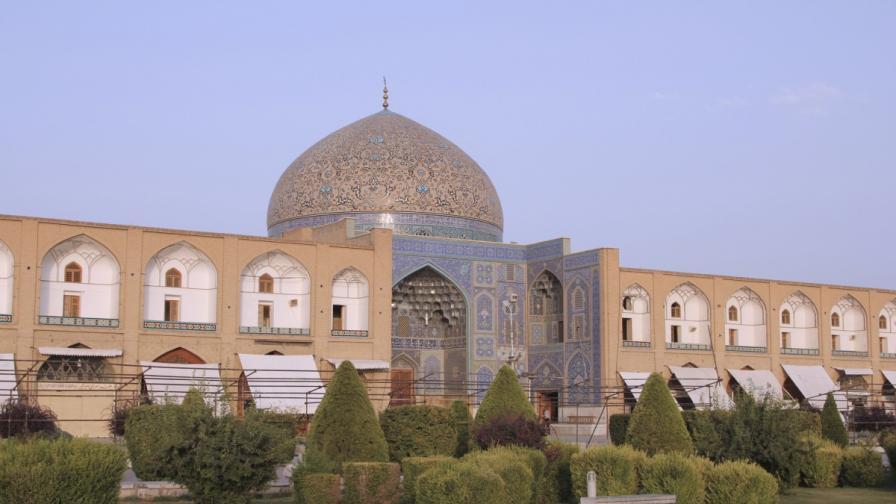 Джамия на шейх Лотфолах
